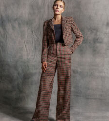 Donna crop blazer